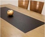 """תמונה של שולחן עץ מלא לפינת אוכל """"נובל"""""""