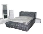 תמונה של חדרי שינה: חדר שינה זוגי מלא בעיצוב מדהים