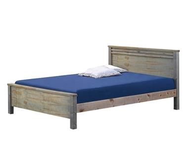 מיטות: מיטה זוגית מעץ מלא דגם שימי