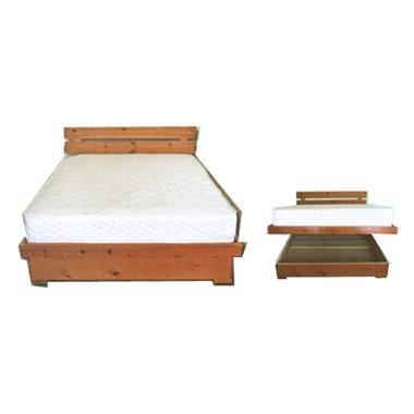 תמונה של מיטות: מיטה זוגית מעץ מלא דגם שרלוט