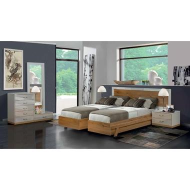 תמונה של חדרי שינה: חדר שינה זוגי קלאסי עם הפרדה דגם דרור