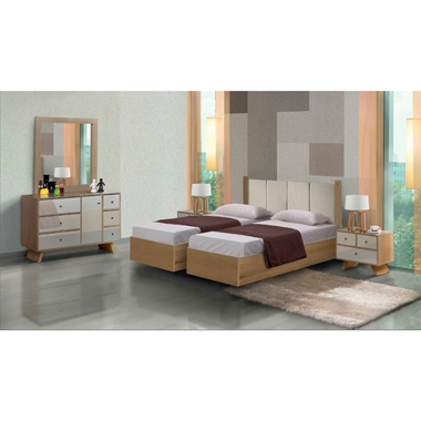 תמונה של חדרי שינה: חדר שינה זוגי קלאסי עם הפרדה דגם לי