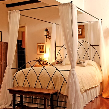 מיטות: מיטה זוגית דגם דין