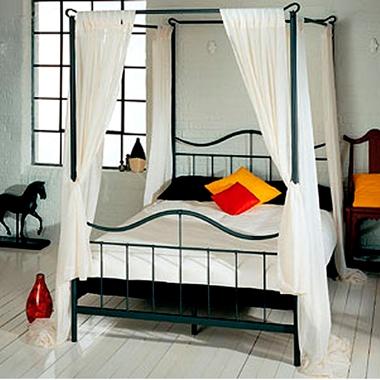 מיטות: מיטה זוגית עשויה מתכת דגם אביאל