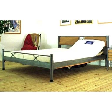 תמונה של מיטות: מיטה זוגית דגם  לאה