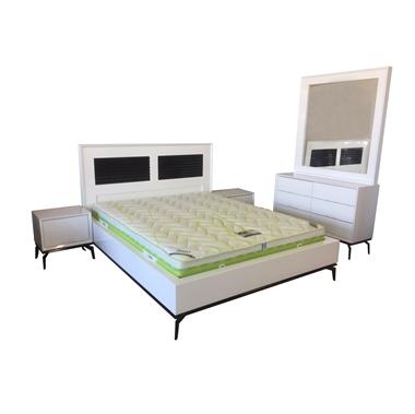 תמונה של חדרי שינה: חדר שינה זוגי עץ מלא דגם סיגל