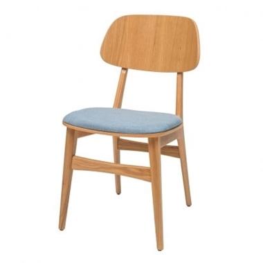 כסאות: כסא עץ לפינת אוכל דגם עמיאל מושב מרופד