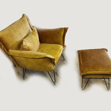 תמונה של כורסאות: כורסא בעלת מושב מרופד דגם סול