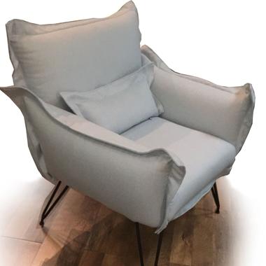 כורסאות: כורסא בעלת מושב מרופד דגם סוניה